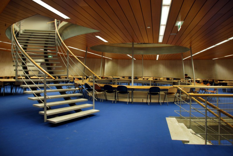 Delft University of Technology Library