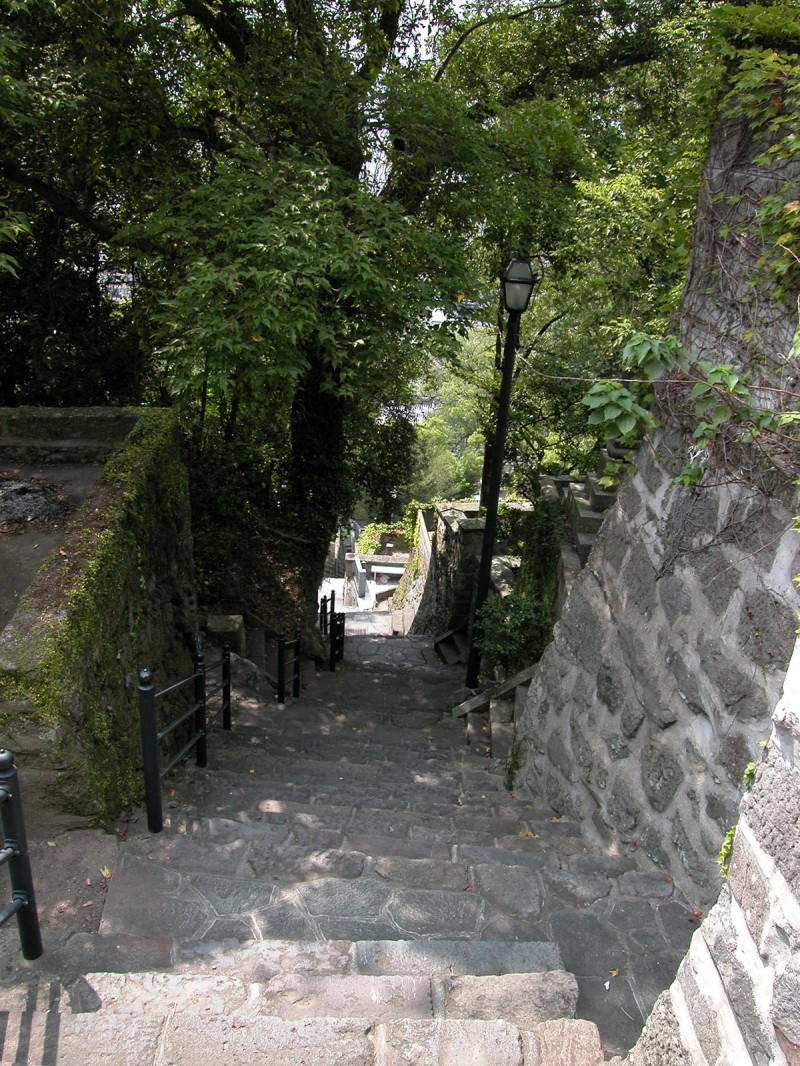 Path to top of Heifuri Hill