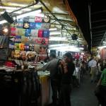 Si-Lom-Street-Market