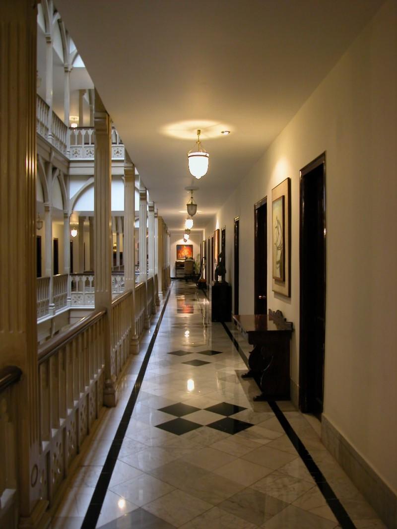 Taj Mahal Hotel Corridor