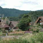 Traditional-Japanese-homes-in-mountains-of-Goka-Toyama4