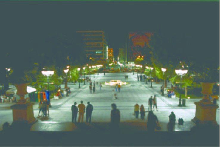 04明暗のコントラストが大きいシンタグマ広場