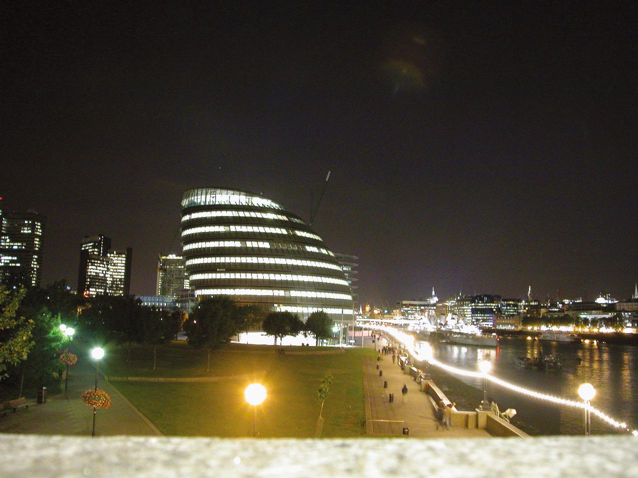 8.ロンドン市庁舎