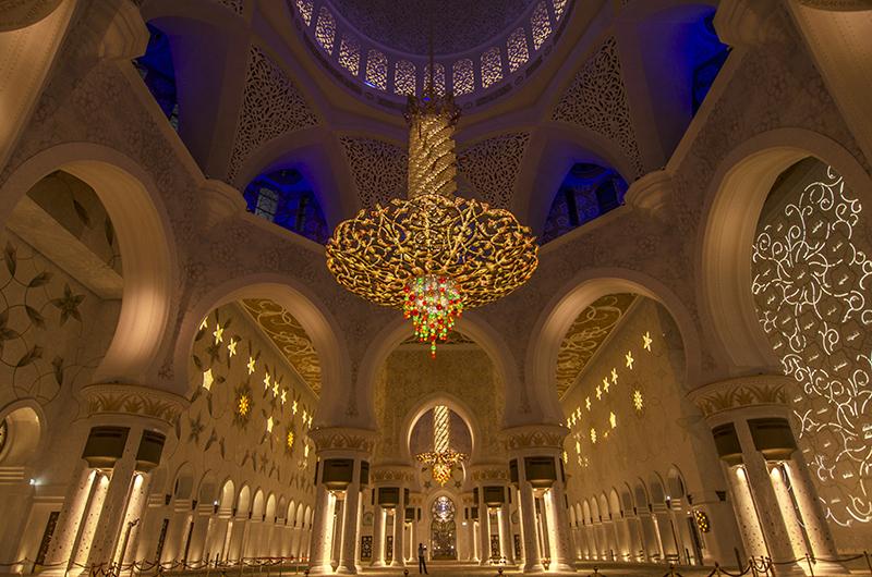 13モスクの室内