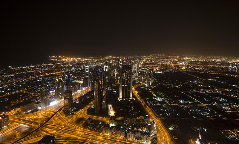 04_ブルジュ・ハリーファ124階からの撮影した繁華街俯瞰