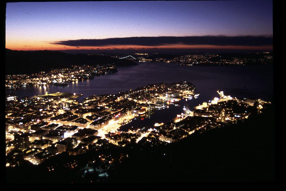 2.フロイエン山頂からの夜景
