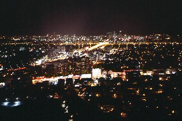 7.ホテルの窓から見たソウルの夜景