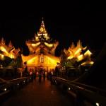140625_ヤンゴン_カラウェイパレス_観光客用の豪華客船_地元の人はいかない