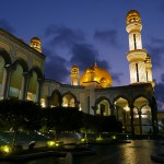 Jame'Asr Hassanil Bolkiah Mosque_Facade_Night_02_mini