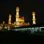 Jame'Asr Hassanil Bolkiah Mosque_Facade_Night_04_mini