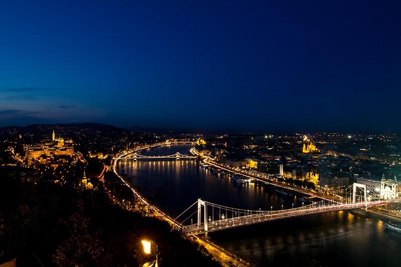 ブダペスト俯瞰夜景