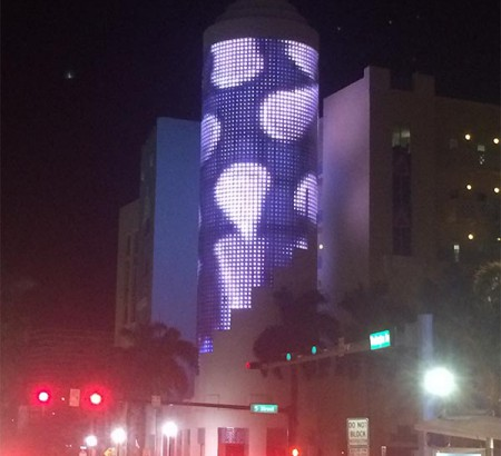 miami-beach-media-facade