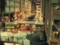 198009_カナダ_トロント_Eaton Center_003