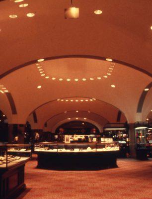 198009_カナダ_トロント_Eaton Center_005