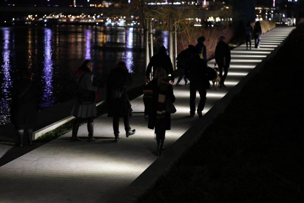 Lightwalk4