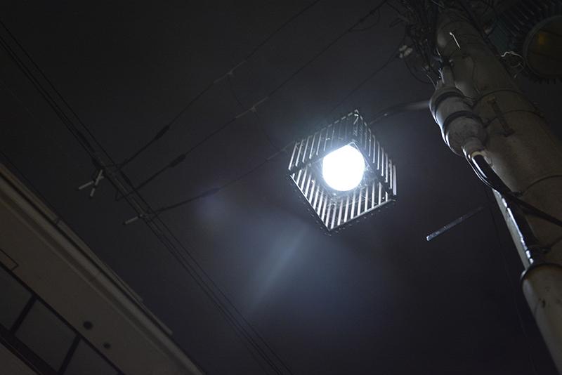 _DSC0437白く眩しい街灯